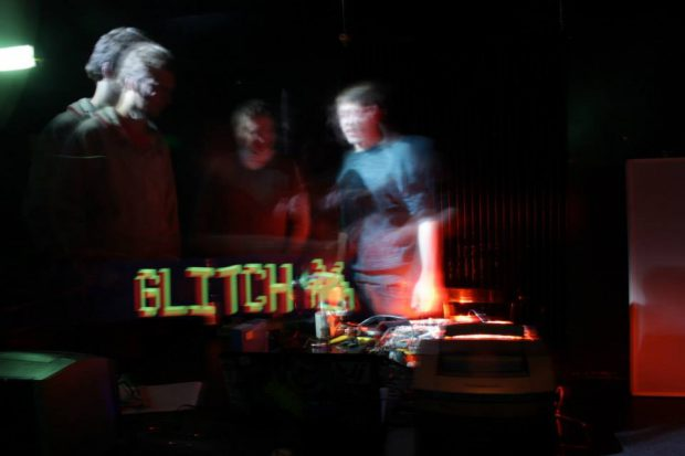 yochee-video-glitch-workshop-03